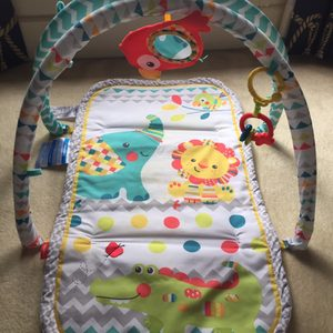 Baby gym and mat
